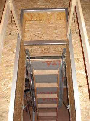 Nachtragliche Warmedammung Von Dachbodentreppen